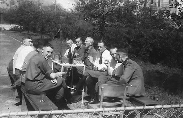 Photo SS repas 1944 Sanitätdienst